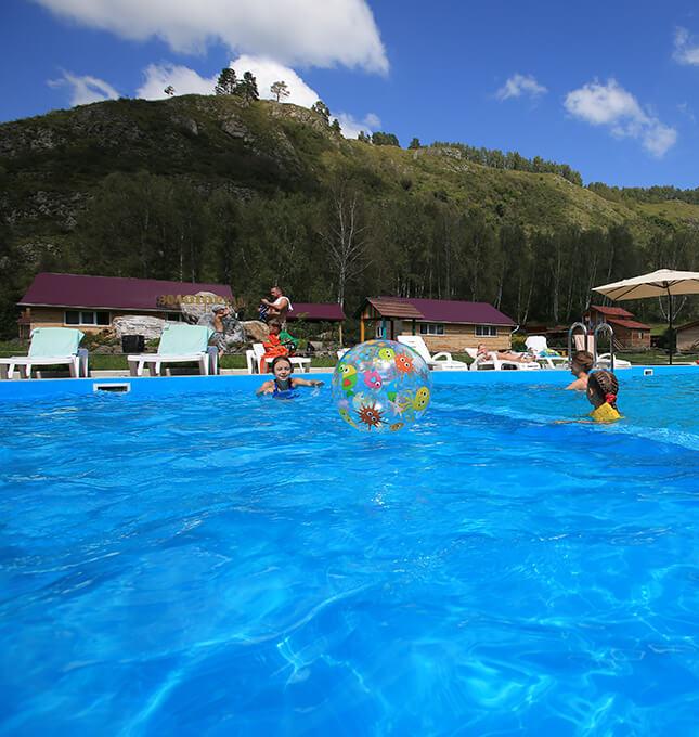 Золоторудная база отдыха с бассейном в Горном Алтае